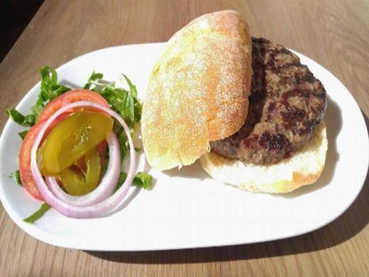 ההמבורגר המעולה של הדסון בראסרי רמת החייל