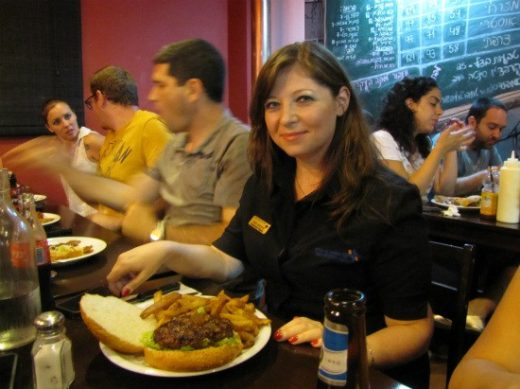 רגינה וההמבורגר של יומנגס