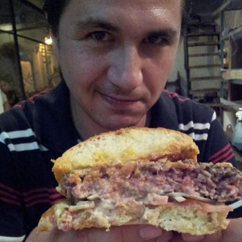ההמבורגר של הדסון בראסרי - מבט מבפנים