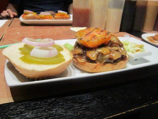 ברביס אילת - המבורגר קאריבי
