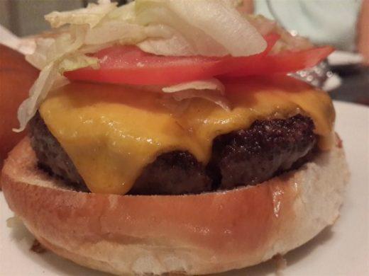 עד העצם הרצליה פיתוח - ציזבורגר