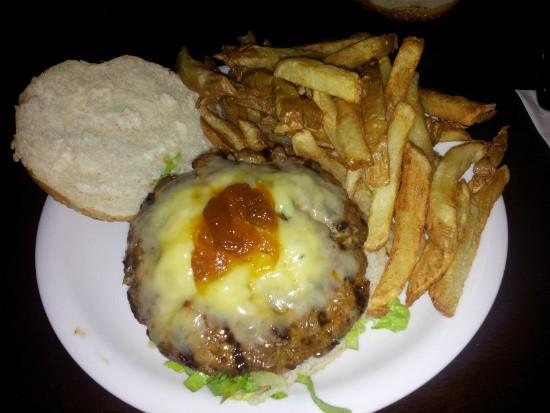 המבורגר צרפתי של יומנגס