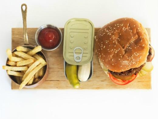 מונא ירושלים - המבורגר מומלץ בבירה