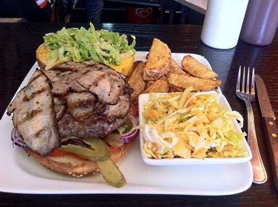 המבורגר מדופלם - סמוק האוס חיפה