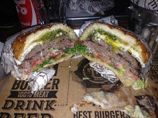 המבורגר 240 ג' של ג'וזף בורגר בר