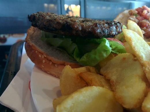ההמבורגר של רד בייגל איירפורט סיטי