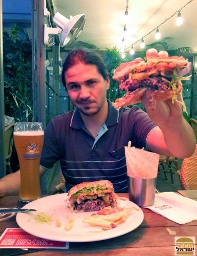 המבורגר קובה ביף אגאדיר - השמנמן נהנה