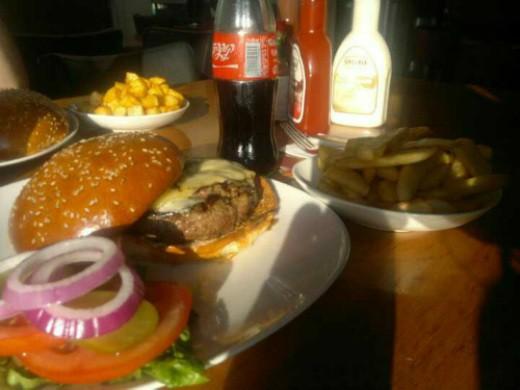 סינטה בר אקספרס - המבורגר בחיפה