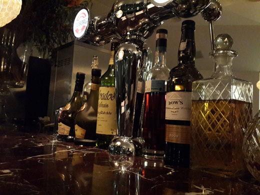 אלכוהול משובח במסעדת פאסטל