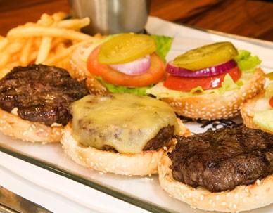 המבורגר בייבי 90 ג' של וולפנייטס כיכר רבין