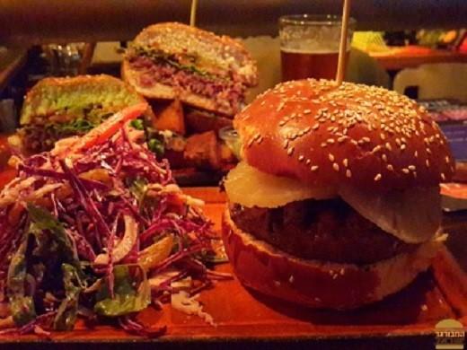 ההמבורגר האוסטרלי של אגנס פאב תל אביב
