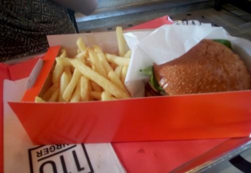 בורגר 110 - המבורגר סינטה עם ביצת עין
