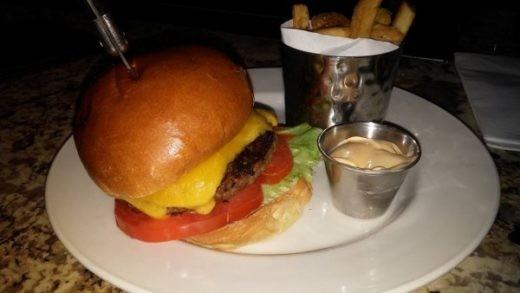 Hard Rock Cfe אמסטרדם - המבורגר מאכזב