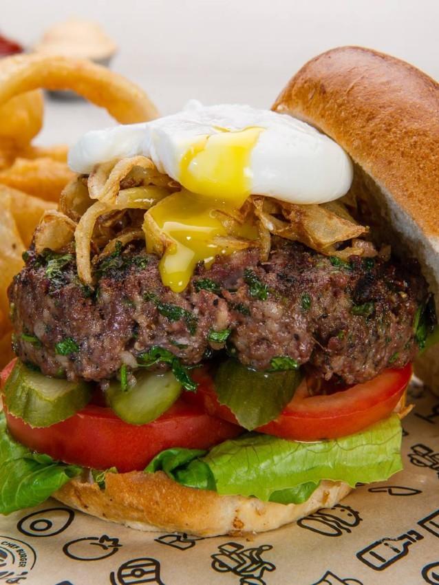 """המבורגר כשר של צ'אביז, מקור: יח""""צ"""