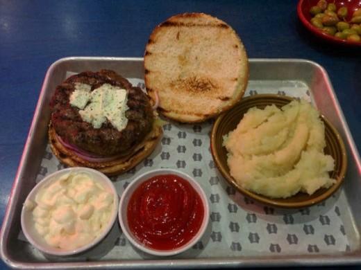 גריל בר 206 - ארוחת המבורגר