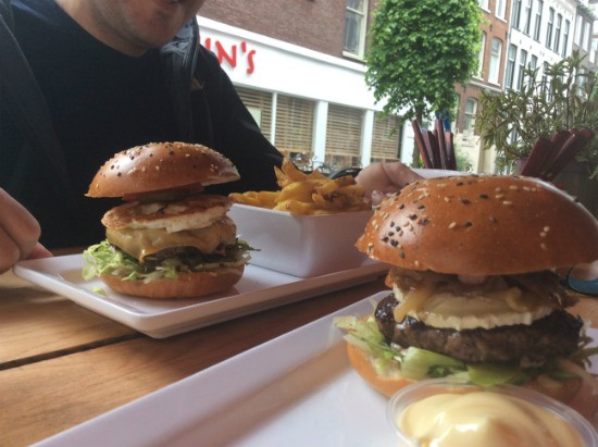 Burger Bar Amsterdam - מיונז בלתי נשכח