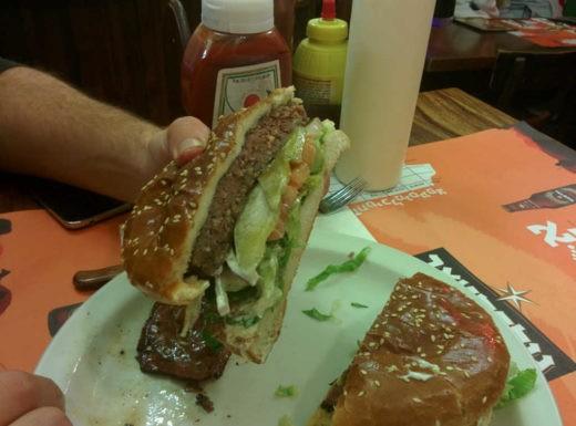 Boom Burgers - המבורגרים בלב וילנה
