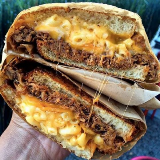the mac and chees burger