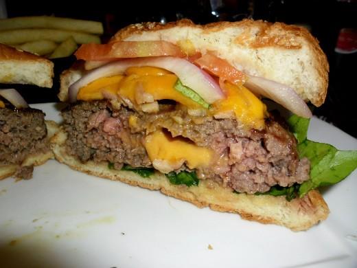 המבורגר רובן של ברביס - מבט מבפנים