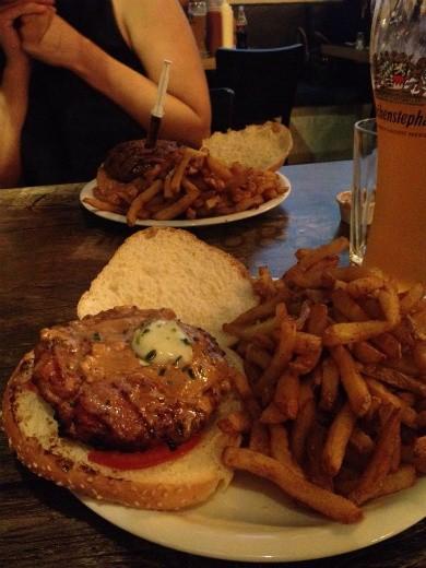 המבורגר מקסיקני חרפרף של יומנגס