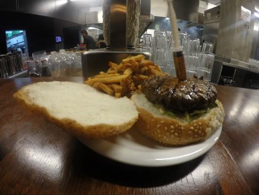 יומנגס גבעת ברנר - המבורגר פיני