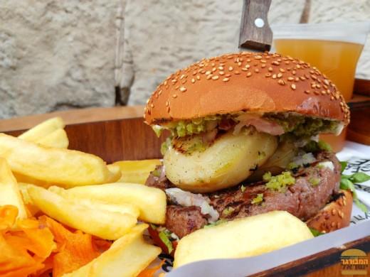 בורגר מרקט מציגים המבורגר עם ארטישוק