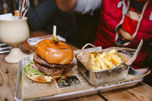 """ההמבורגר של ביר גראדן ראשון לציון, מקור: יח""""צ"""