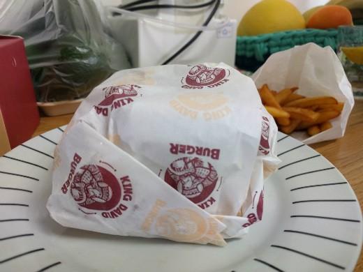 קינג דיוויד בורגר ראשון לציון - המבורגר כשר