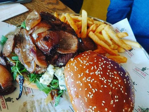 המבורגר ריביירה של פפריקה - הטוב מכל העולמות