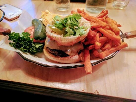 המבורגר Mexico City של Black Tap ניו יורק