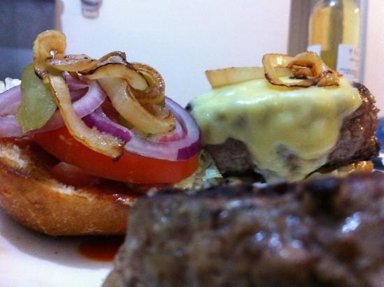 מתכון להמבורגר ביתי של אולג בלזנוב