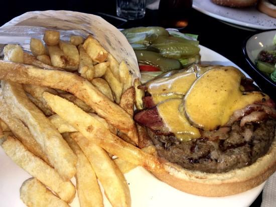 המבורגר גבינות של קלומפוס