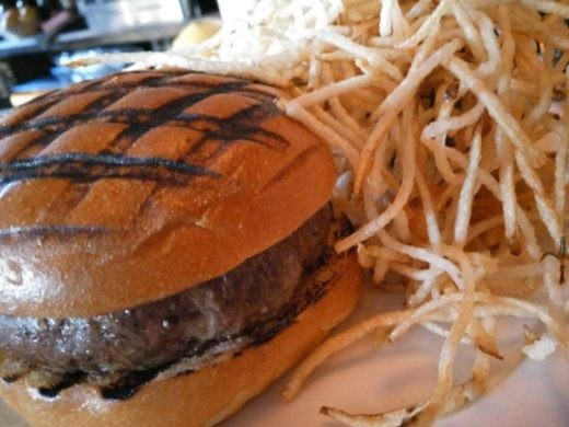 המבורגר מומלץ בניו יורק - The Spotted Pig