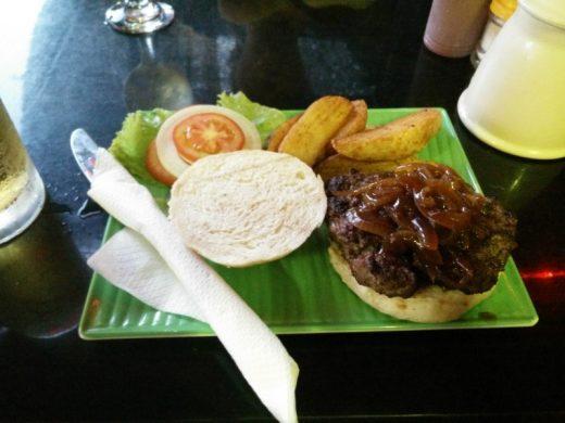 המבורגר JW של Winston's Burgers