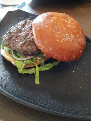 אנגוטרי - המבורגר מומלץ בתל אביב