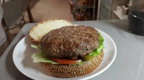 מתכון המבורגר ביתי של עידו משל
