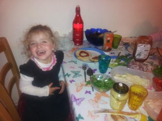 המבורגר כפעילות משפחתית - תענוג לילדים