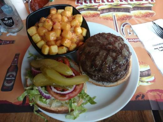 קניבר חיפה - המבורגר צ'יזי וקניבר פרייז