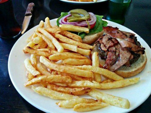 קלומפוס - המבורגר מומלץ בצפון