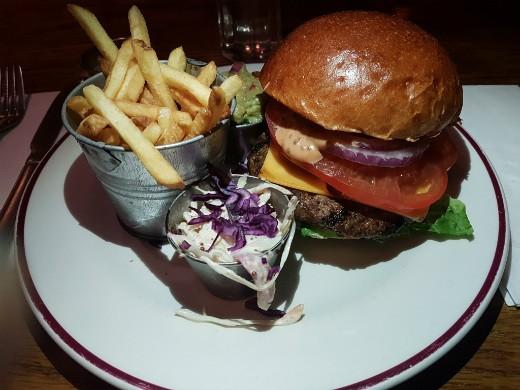 המבורגר מומלץ בלונדון - Maxwell's