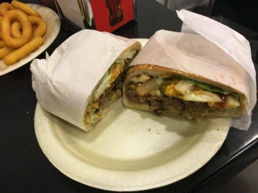 מפגש ברלין - המבורגר מפנק