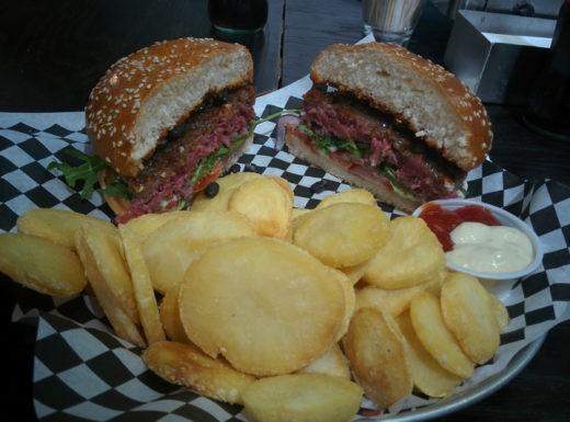 פורט 19 - המבורגר מומלץ בתל אביב