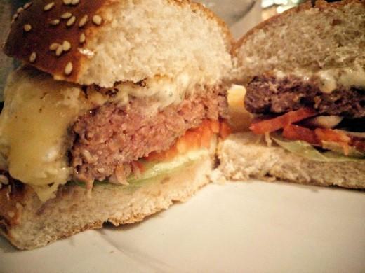 המבורגר בפתח תקווה - טריולה