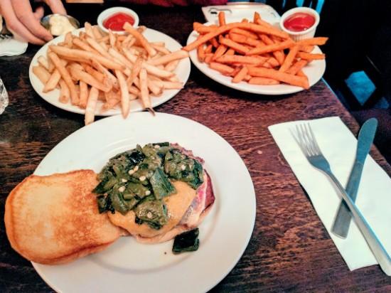 two8two Burger בניו יורק - לא מומלץ