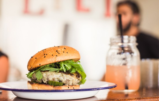 """ויטרינה - המבורגר מושלם, מקור:יח""""צ"""