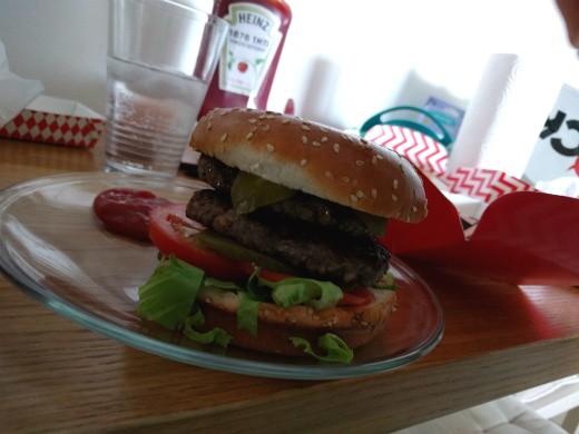 ההמבורגר במשלוח - jack by black באר יעקב