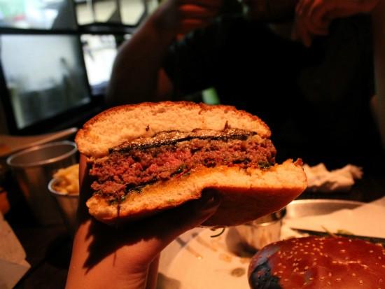 המבורגר פאבריציו של החבית
