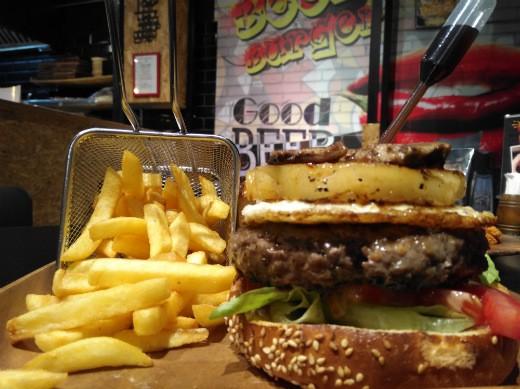 ביפבורגר חדרה - עם אננס ומייפל