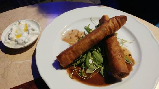 מסעדת סמואל - תענוג בלקני