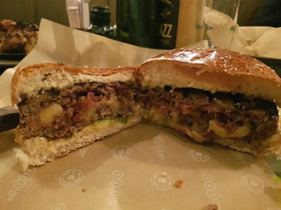 המבורגר היפ הופ של BBB הארבעה